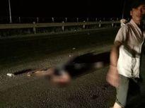 Tài xế thay đèn, xóa dấu vết sau khi tông chết người trong đêm