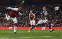 Lacazette lập cú đúp giúp Arsenal đánh bại West Brom