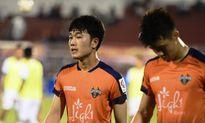 Xuân Trường đá chính, Gangwon FC ngược dòng thắng Incheon United