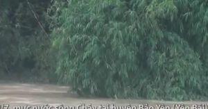 Clip Nhiều ngôi nhà ở Yên Bái ngập đến nóc do mưa lũ