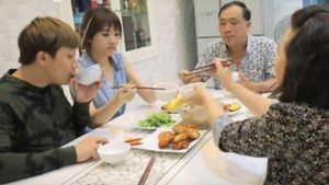 Hari Won muốn sống chung với bố mẹ Trấn Thành