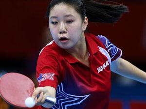 Choáng: Thần đồng Trung Quốc ra vợt nhanh như máy