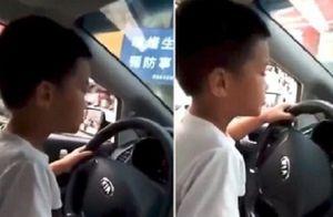 Clip: Hãi hùng cảnh cậu bé cầm lái ôtô được chính cha mình quay lại
