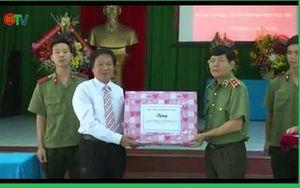 Giám đốc Học viện An ninh nhân dân thăm hỏi, tặng quà thương bệnh binh