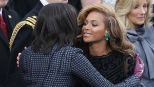 Beyonce vui vẻ ăn mừng sinh nhật bên bạn thân Michelle Obama