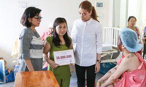 Bị 'tố' thất hứa vụ từ thiện, Trương Ngọc Ánh nói gì?