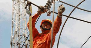 Hơn 2.000 khách hàng chưa được cấp điện sau bão số 2