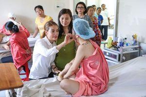 Bị tố thất hứa từ thiện, diễn viên Trương Ngọc Ánh nói gì?