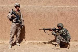 Chi 28 triệu USD cho quân phục lỗi, Lầu Năm Góc bị chỉ trích