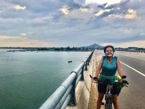 Nữ du khách bị mất trộm xe đạp: 'Tôi sẽ đến Việt Nam làm việc'