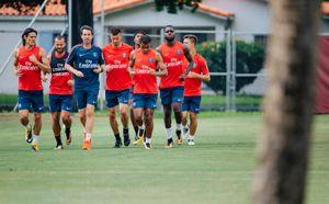 Dàn sao PSG đội nắng tập luyện chờ ngày đấu Juventus