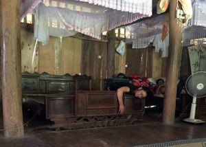 Sơn La: Nhiều người dân ở một bản bị mê sảng, mộng du