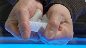 Công nghệ 360: Phát minh ra một hợp chất gel có độ bền bỉ gấp năm lần sắt thép