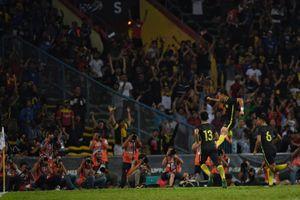 Ngược dòng trước U22 Singapore, U22 Malaysia tranh ngôi đầu với U22 Myanmar