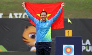 Cung thủ Châu Kiều Oanh nén nước mắt nhận huy chương bạc SEA Games