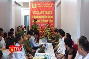 Khánh thành nhà tình nghĩa tặng thân nhân liệt sĩ tại Sơn Tây
