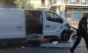 Tấn công khủng bố bằng xe tải ở Barcelona