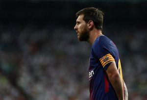 Real Madrid vs Barcelona (2-0, H2): Messi sút dội xà