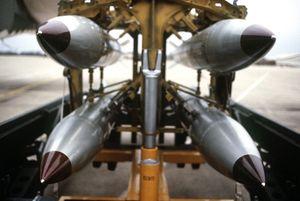 Tướng Mỹ đề xuất vũ trang hạt nhân cho Nhật Bản