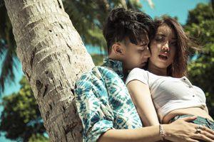 Sau Minh Hằng, Rocker Nguyễn lại tình tứ với người yêu mới
