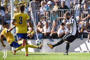 Juve đấu tập nhẹ nhàng cùng đội trẻ chờ ngày khai màn Serie A