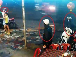 Clip rõ mặt băng dàn cảnh, trộm xe trong 'chớp mắt' ở Sài Gòn