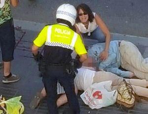 Cảnh hoảng loạn, đẫm máu tại hiện trường vụ khủng bố ở Barcelona