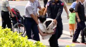 Tấn công bằng kiếm tại dinh lãnh đạo Đài Loan