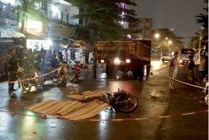 Va chạm với xe tải trong đêm khiến 3 nam thanh niên tử vong