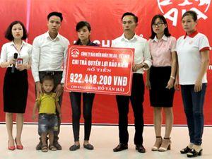 Bảo hiểm AIA chi trả gần 1 tỷ đồng cho khách hàng rủi ro ở Nghệ An