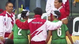 Cho rằng bị trọng tài xử ép, tuyển nữ cầu mây Indonesia bỏ giải