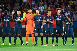 Neymar bật khóc trong phút mặc niệm nạn nhân vụ Barcelona