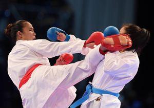 Hồng Anh giành HCV karatedo dù bị xử ép