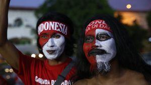 Màu áo đỏ ngập tràn trận đấu U22 Việt Nam và U22 Indonesia