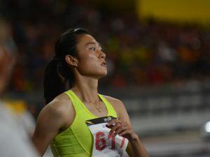 Hot-girl điền kinh 100m Tú Chinh: Vượt qua nỗi đau mồ côi mẹ, cảm ơn tình yêu của thầy