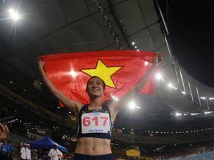 Nữ hoàng tốc độ Tú Chinh: 'Xé gió' 2 ngày 2 HCV danh giá