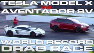 Cận cảnh xe điện Tesla Model X P100D đánh bại Lamborghini Aventador