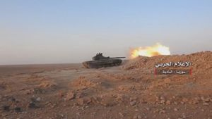 Không quân Nga khai hỏa, quân đội Syria tấn công IS trên sa mạc Homs