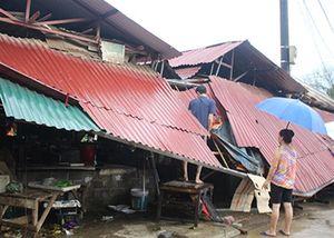 Giông lốc giật tốc mái 742 nhà dân ở Lào Cai