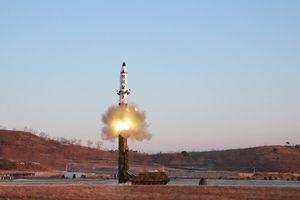 Triều Tiên hé lộ thiết kế 2 tên lửa mới?