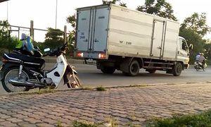 Khiếp sợ ô tô đi giật lùi trên Đại lộ nghìn tỷ ở Hà Nội