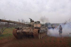 Xe tăng, pháo binh Al-Qaeda dồn dập đổ về Hama, Syria