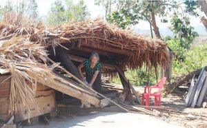 Những cay đắng của người dân nghèo Hà Tĩnh sau cơn bão số 10
