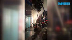 Cửa hàng phát hỏa giữa đêm, nhiều người thoát nạn bằng cửa sau