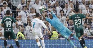 'Hàng thải Real' hóa siêu nhân báo hại Real: Ronaldo, Bale 'chào thua'