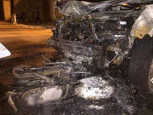 Video Honda CR-V đâm xe máy, kéo lê và cùng bốc cháy