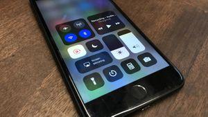 """""""Lỗi"""" bật tắt Wi-Fi và Bluetooth trên iOS 11: Apple cho biết đây là ý đồ ban đầu của mình"""