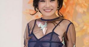 Sao Việt 22/9: Phương Thanh táo bạo trong trang phục 'nửa kín nửa hở'