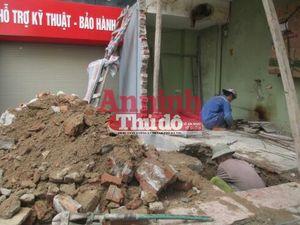 Sự thật số tiền đền bù trong vụ ôtô đâm đổ tường ki-ốt ở Trung Kính