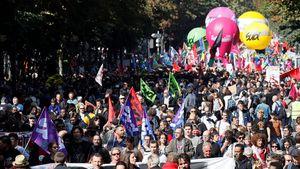 Công đoàn Pháp biểu tình chống cải cách của tổng thống Macron